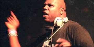 Watch Carl Cox at Techno Parade in '98