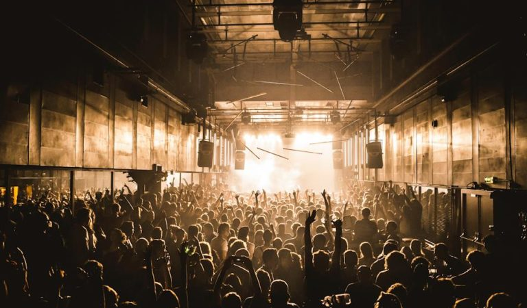 Best 100 Tracks Every Techno Fan Must Know