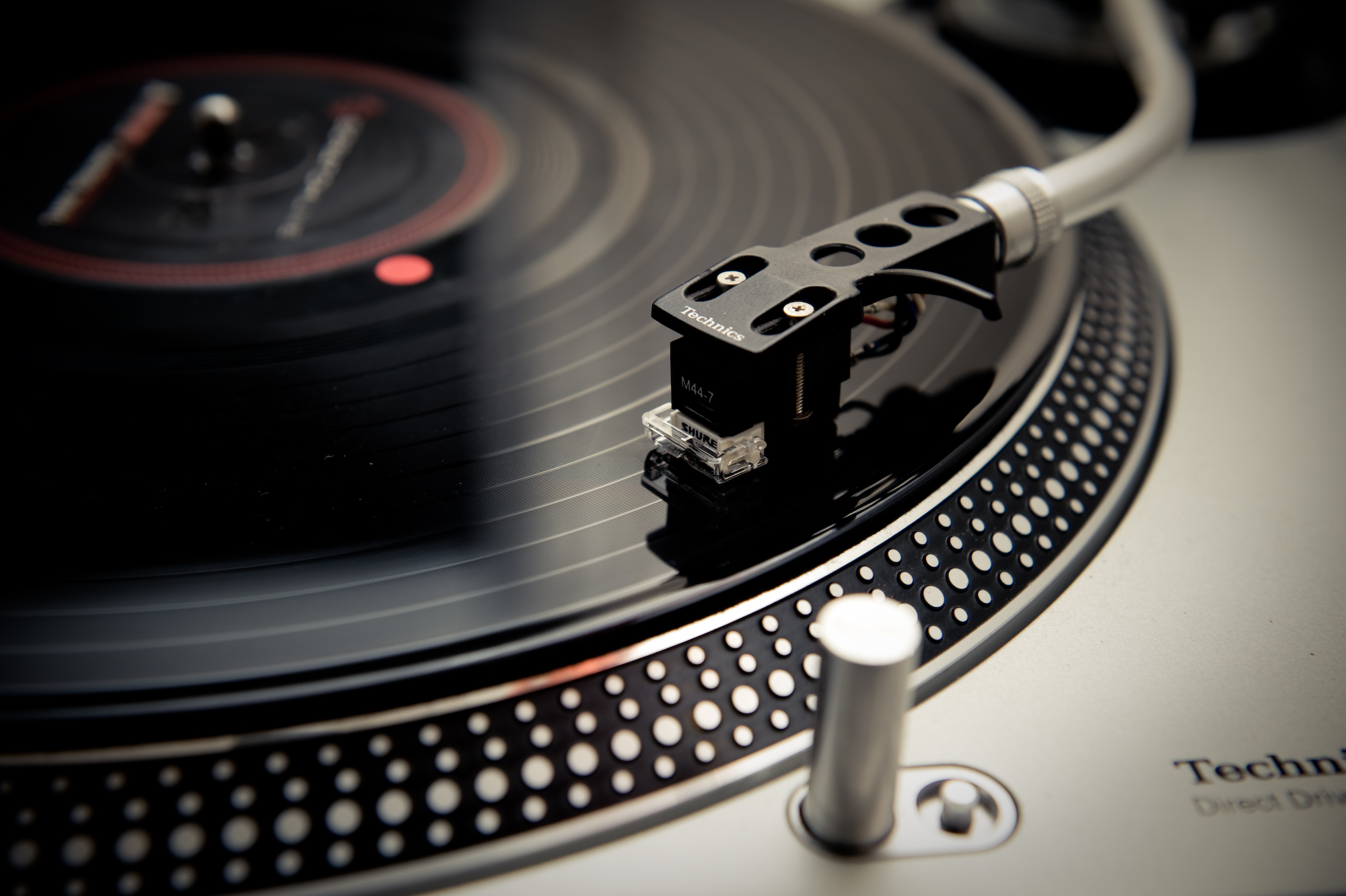 Turntables And Cdjs Banned In Berlin Club Only Techno