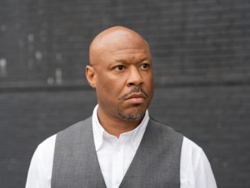 Robert Hood mixes DJ-Kicks
